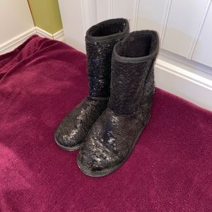 3/$20! Wet Seal Size 6 Sequinned Winter Boots
